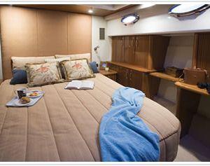 Maritimo 60 hamilton island bedroom