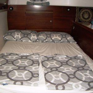 lavezzi 40 catamaran bedroom